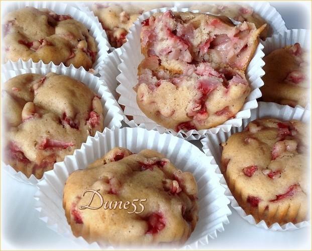 Muffins épicés aux poires et une variante aux fraises Rxiava10