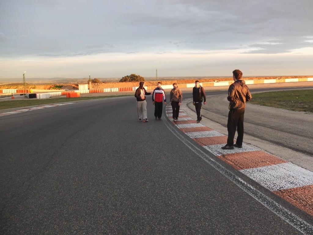 [Pit Laners en course!] Carnet de piste d'Alex (saison 2) - Page 2 Dscf0412