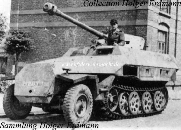 "Sd.Kfz. 251/22 Ausf.D ""Pakwagen Early"" (11èmePz.Div.) AFV Club 1/35 251_0031"