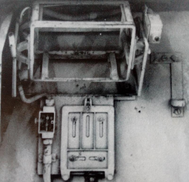 "Sd.Kfz. 251/22 Ausf.D ""Pakwagen Early"" (11èmePz.Div.) AFV Club 1/35 - Page 2 Img_2157"