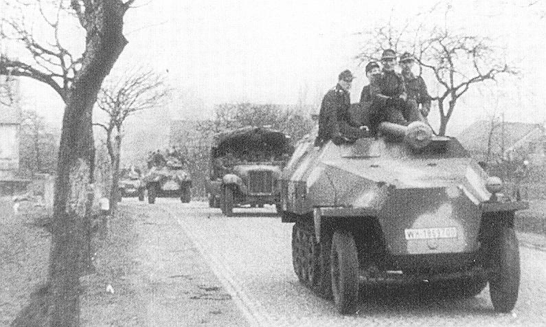 "Sd.Kfz. 251/22 Ausf.D ""Pakwagen Early"" (11èmePz.Div.) AFV Club 1/35 Wh-18632"