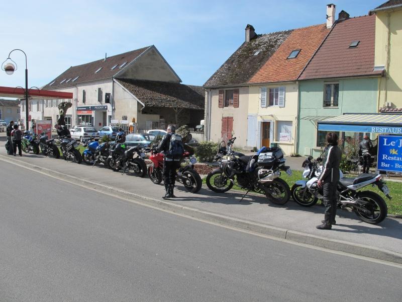Balade le 12 avril 2015 : Jura par Saint amour -381 km - Page 7 Img_8510