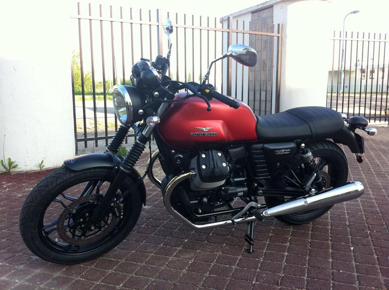 Moto Guzzi V7 II Img_1328