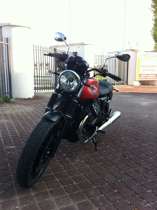 Moto Guzzi V7 II Img_1329