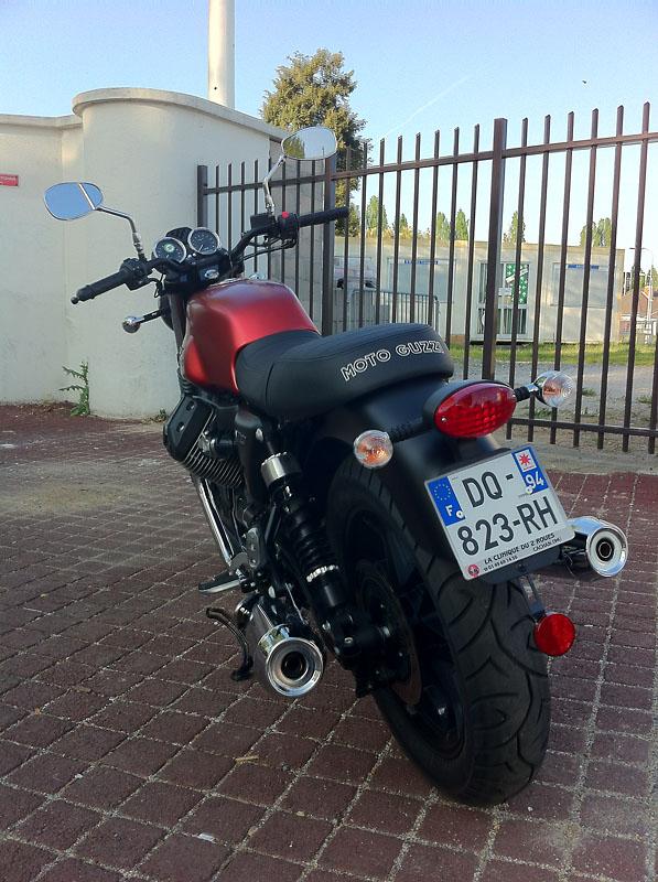 Moto Guzzi V7 II Img_1410