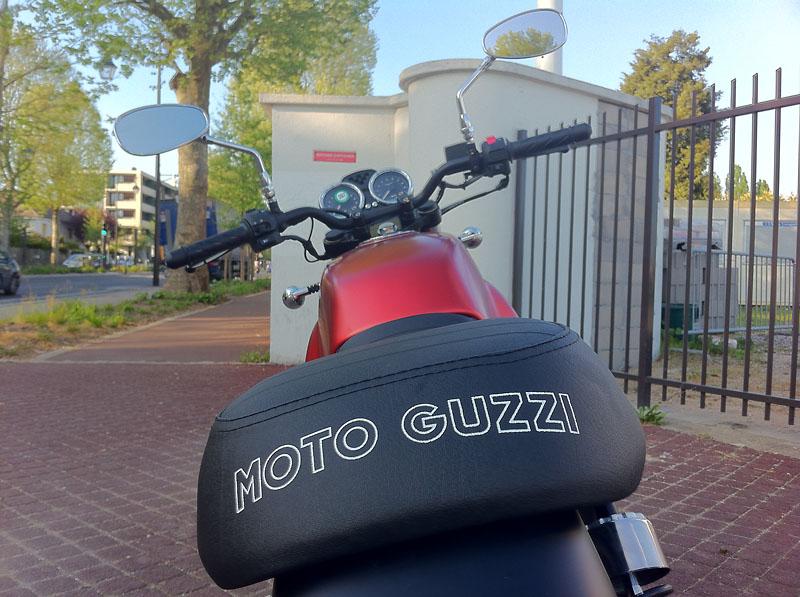 Moto Guzzi V7 II Img_1411