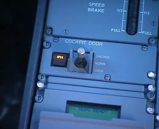 A320 Germanwings  Barcelone - Dusseldorf, Crash dans les Alpes de Haute Provence - Page 9 Porte10