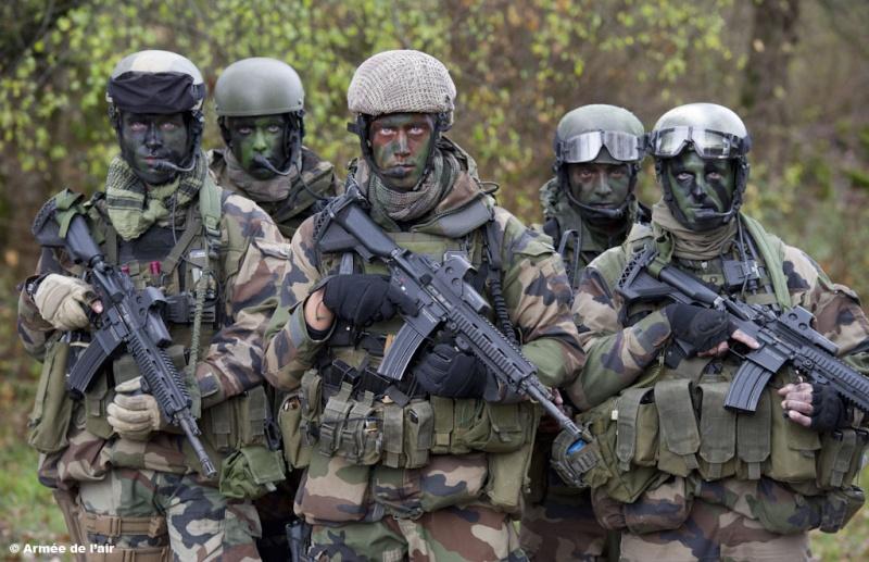 Commandos Parachutistes de l'Armée de l'Air Les-st10