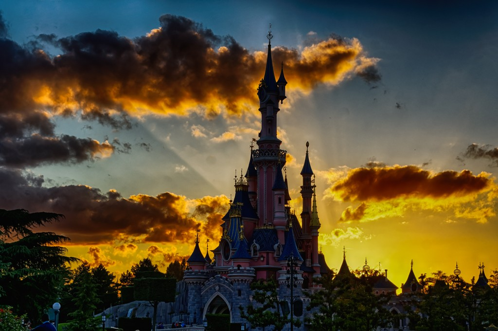 Photos de Disneyland Paris en HDR (High Dynamic Range) ! - Page 37 Dsc04110