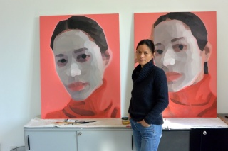 Li Fang, peintre chinoise, dans son atelier de Montreuil, en exclusivité pour le Forum Chine et francophonie Lifang10