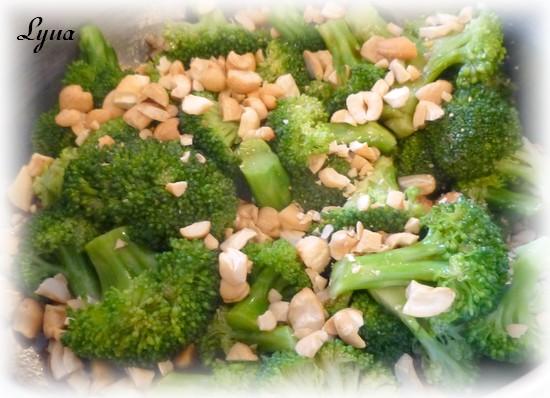 Brocoli vinaigrette et noix de cajou Brocol10