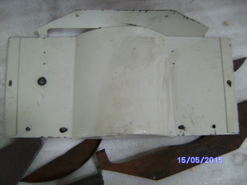 Carter de protection des cotes du moteur 32638 Sany1536
