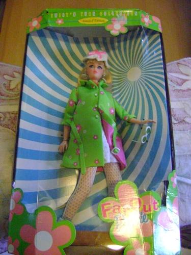 BARBIE STACIE on SKATEBOARD - FAR OUT - POSE ME PET -  COOL SKATING - GENERATION GIRL  Barbie10