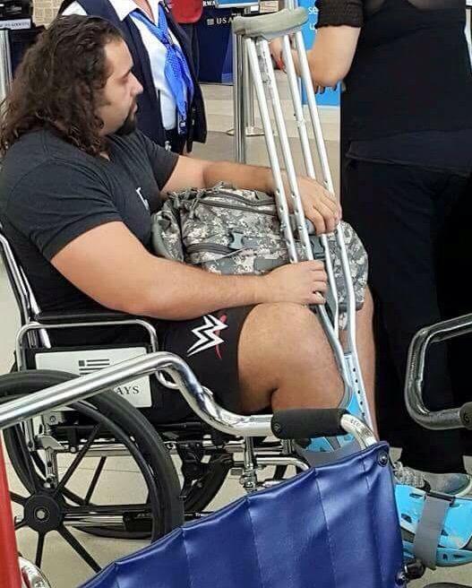 [Forme] Une top star de la WWE blessée ? (Mis à jour) Cga3dt10