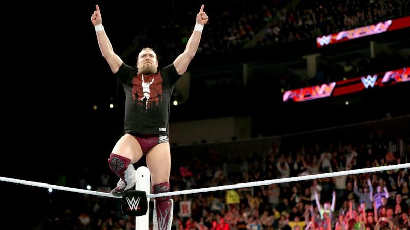 [Compétition] La WWE toujours inquiète pour la santé de Daniel Bryan ? (Mis à jour) Raw_1112