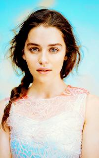 Emilia Clarke ▬ 200*320 Emilia11
