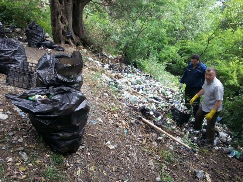 4ième vendredi de  Volontariat: nettoyage route du Cap Aokas. 22 mai 2015 - Page 2 1415
