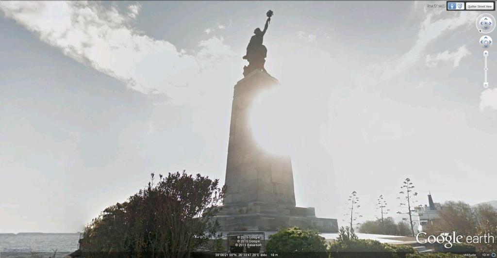Statue de la Liberté = les répliques découvertes grâce à Google Earth - Page 5 Statue12