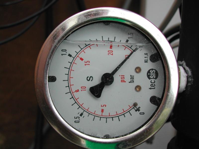 Puissance pompe par rapport à distance local technique Dscn1812