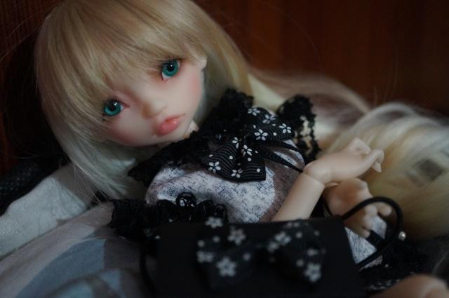 Emily 🎀 Les fleurs [Rhubarbe - Nobles Dolls] Emybla10