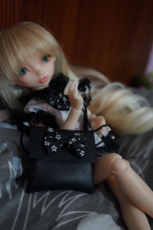 Emily 🎀 Les fleurs [Rhubarbe - Nobles Dolls] Emybla11