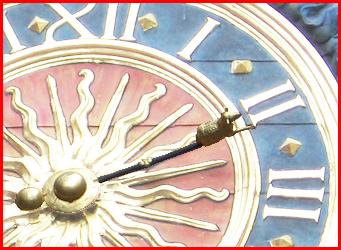 Si vous passez chez moi, visitez le Gros Horloge ! Aiguil10