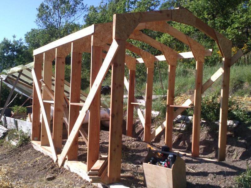 réalisation d'une petite serre en bois Img34212
