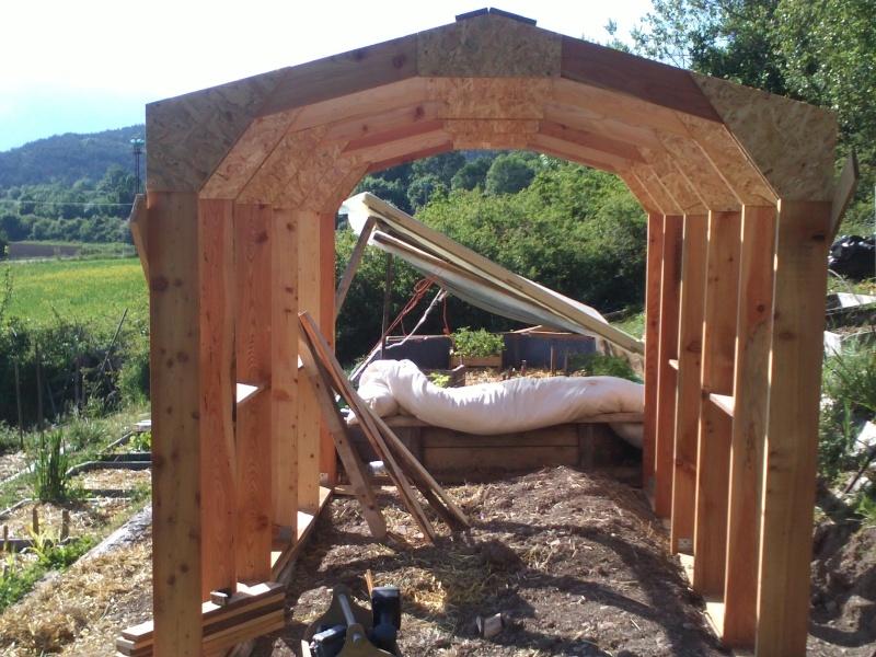 réalisation d'une petite serre en bois Img34213