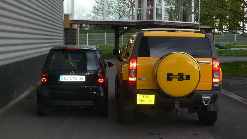 Hummer H2,  gros ou!!!   comparaison... P1020811