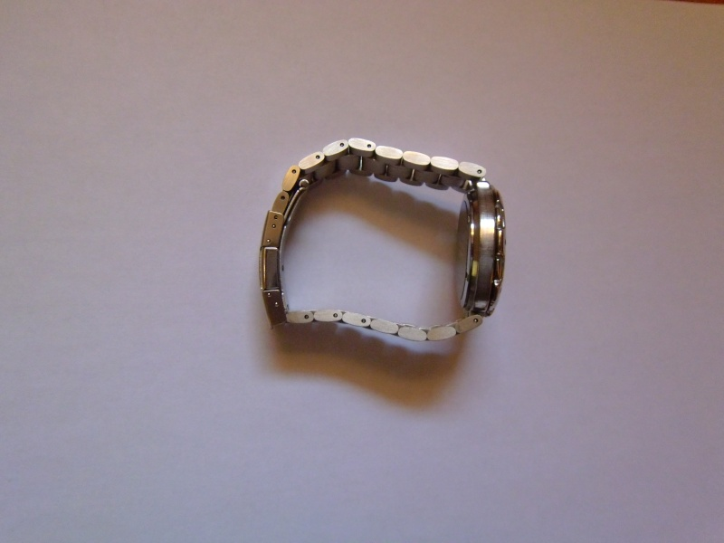 Montre Beuchat, quelle modèle ? Bracelet introuvable ? - Page 2 P1010913