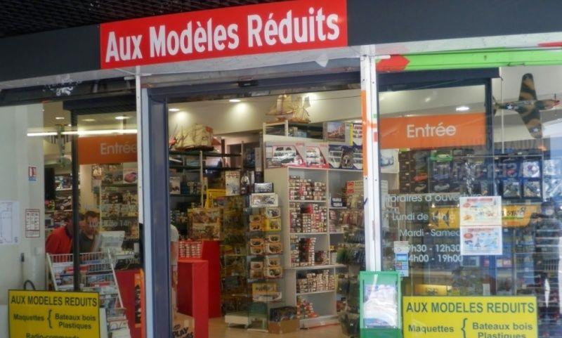"""Changement d'adresse du magasin """"Aux Modèles Réduits"""" à Brest 29200 2015-010"""