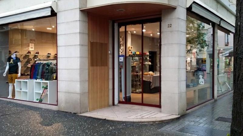 Shop à Mantes la Jolie 11048710