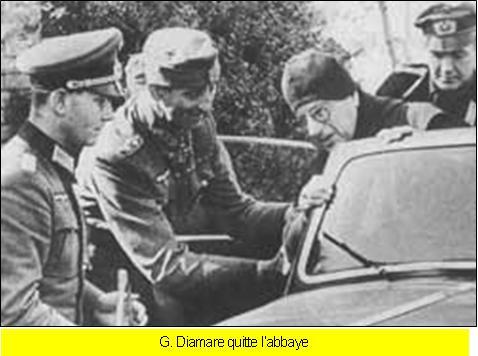 """La destruction de l'Abbaye du Mont-Cassin par les """"Alliés"""" en 1944 Mont_c17"""