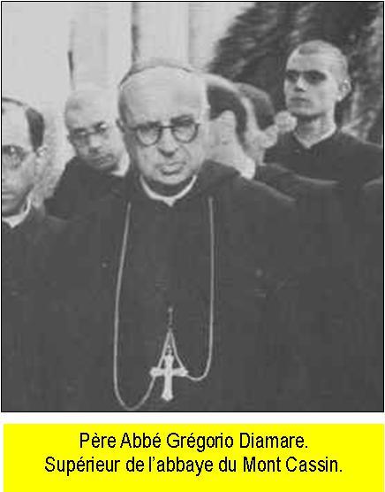 """La destruction de l'Abbaye du Mont-Cassin par les """"Alliés"""" en 1944 Mont_c20"""