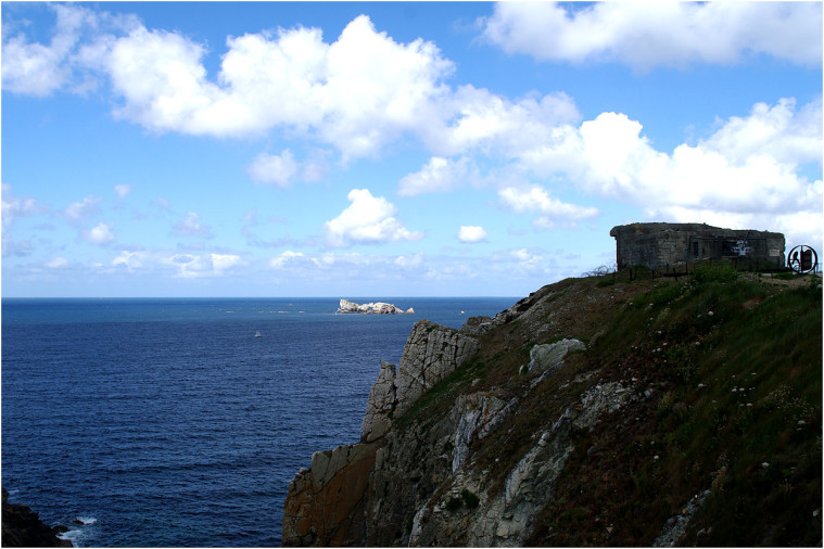 La pointe de Penhir - mémorial de la bataille de l'atlantique . Pointe15