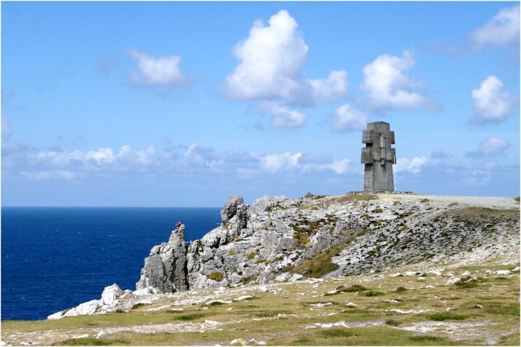 La pointe de Penhir - mémorial de la bataille de l'atlantique . Pointe22