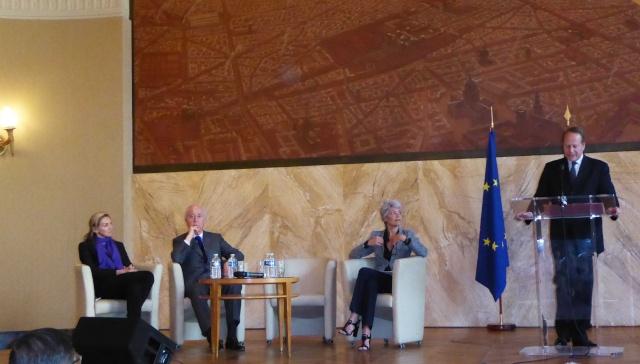 [Conférence] Claudie Haigneré à la mairie du 15ème le 21 mai 2015 Claudi11