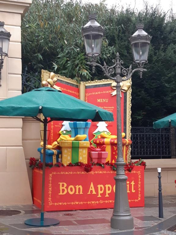 [Saison] Le Noël Enchanté Disney : une célébration Mickeyfique (2018-2019) - Page 9 20181133