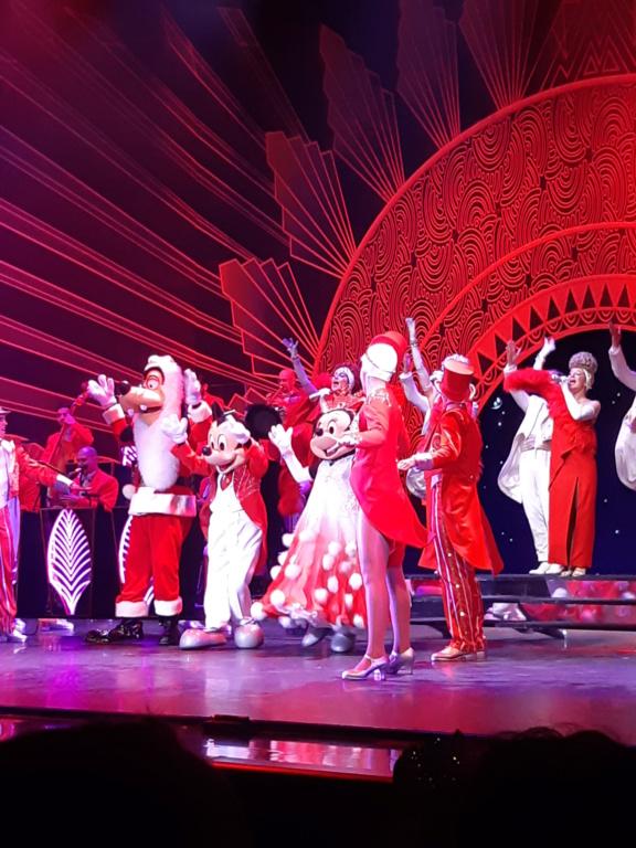 [Saison] Le Noël Enchanté Disney : une célébration Mickeyfique (2018-2019) - Page 9 20181136