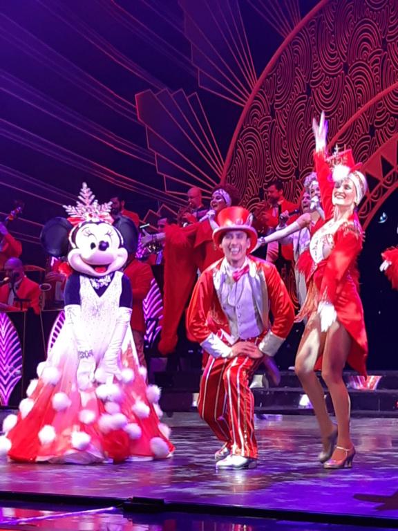 [Saison] Le Noël Enchanté Disney : une célébration Mickeyfique (2018-2019) - Page 9 20181137