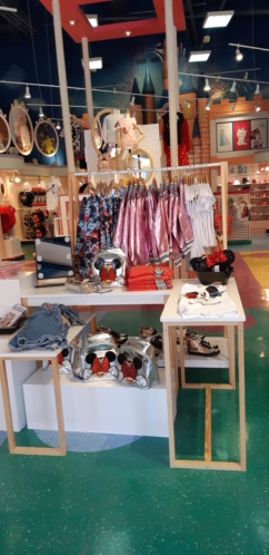 Les accros du shopping - Page 9 20190724