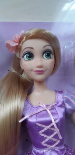 Les poupées classiques du Disney Store et des Parcs - Page 30 20200858