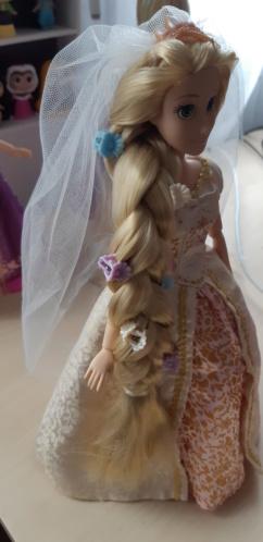Les poupées classiques du Disney Store et des Parcs - Page 30 20200867