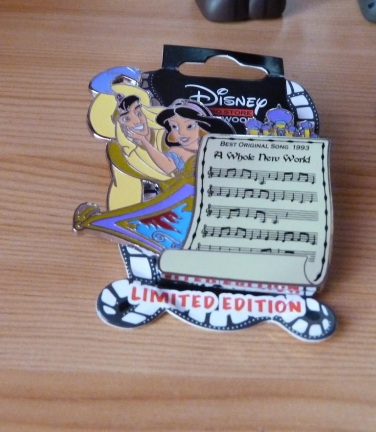 Le Pin Trading à Disneyland Paris - Page 21 P1370412
