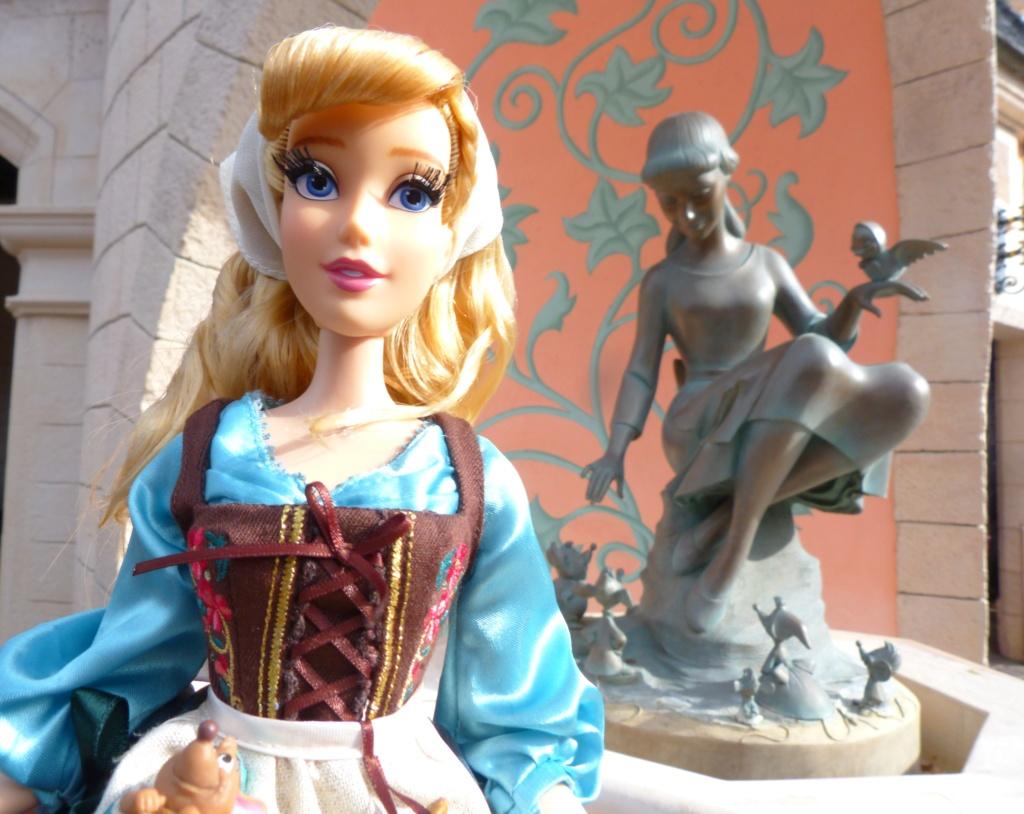 Disney Store Poupées Limited Edition 17'' (depuis 2009) - Page 4 P1720031