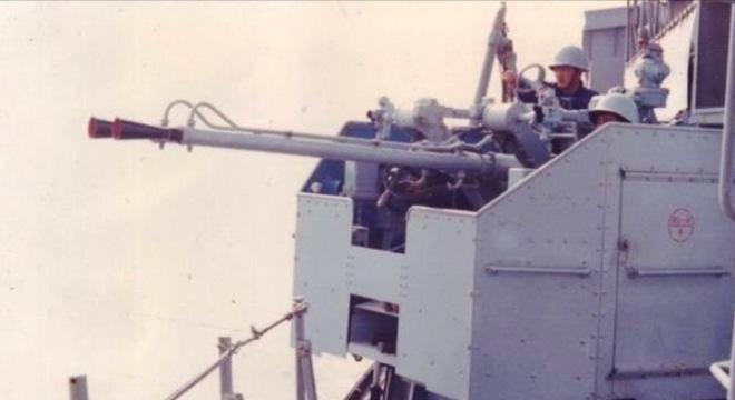 Trường Sa 1988: TQ xâm lược, đâu có anh hùng gì mà khoe khoang! Phao-t10