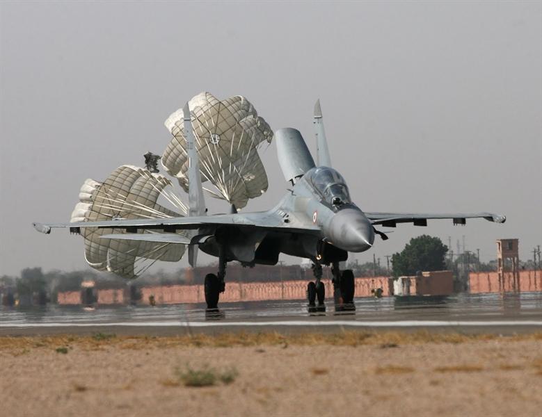 Điểm khác biệt quyết định giữa Su-30SM và Su-30MKI Vi-sao16