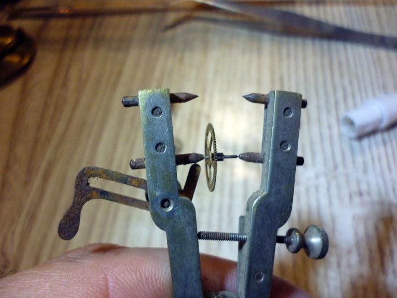 Restauration montre de gousset rouillée P1030824
