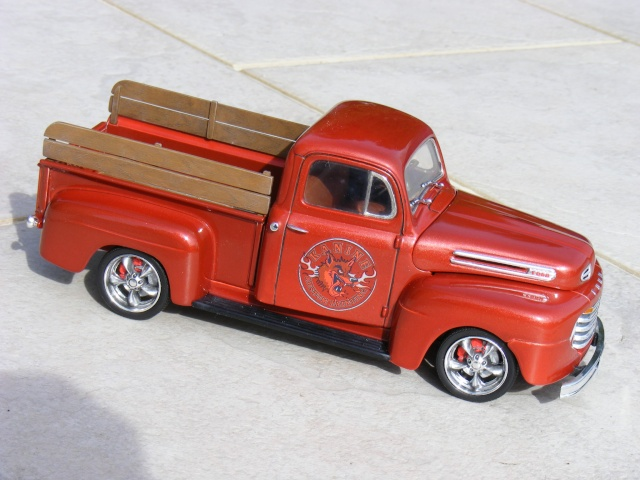 Ford '50 pick up F-1 Custom (suite et fin 10/04) Dscf3028