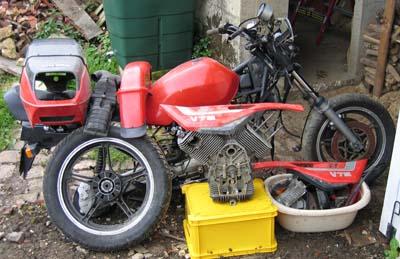 Mes motos de route et piste - Page 3 Epavev10